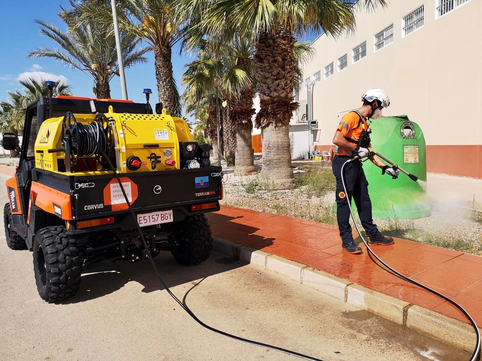 Así desinfectan los Ayuntamientos sus calles durante el Coronavirus