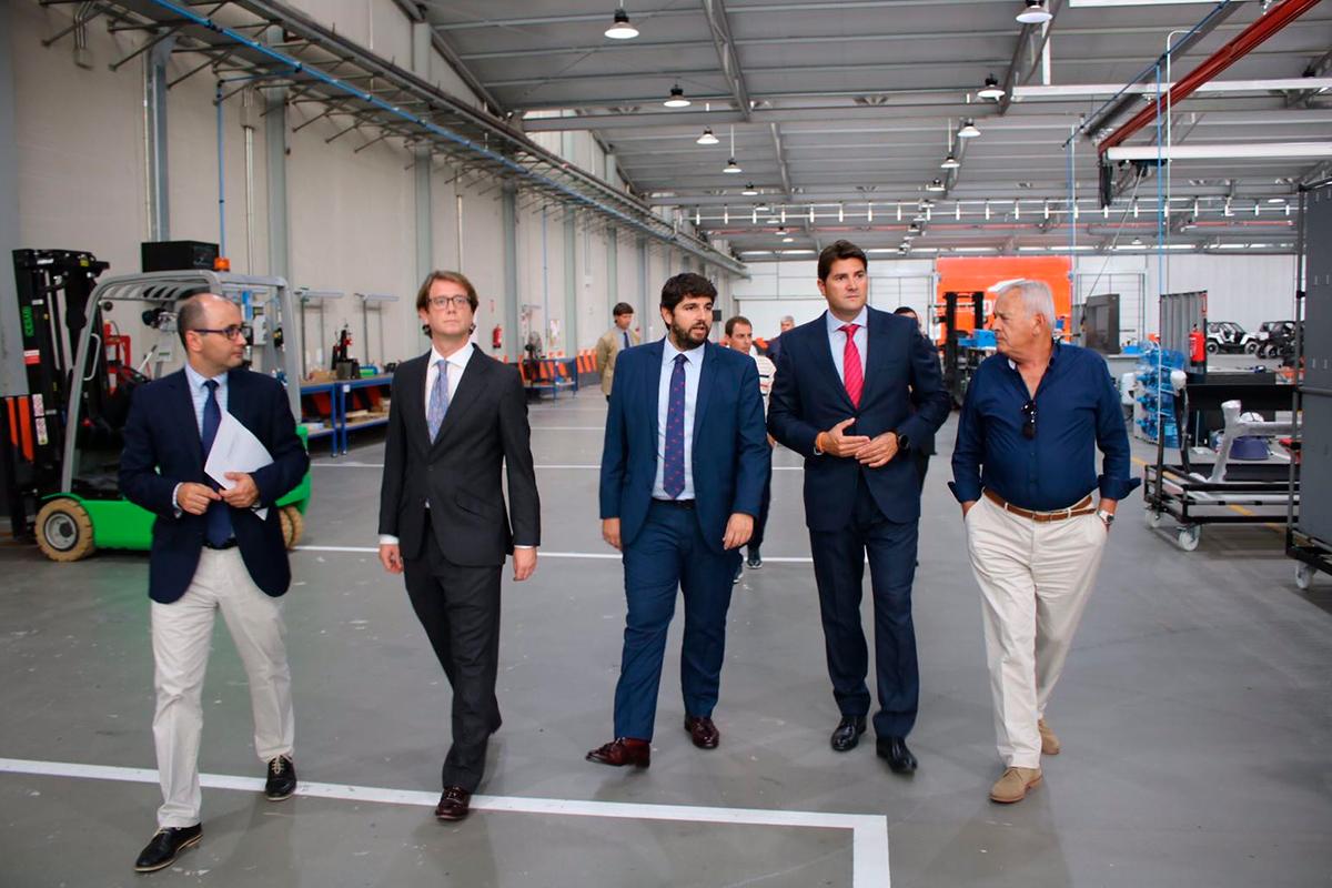 El presidente de la Región de Murcia visita Corvus
